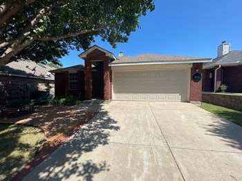 9312 Chesapeake Ln 4 Beds House for Rent Photo Gallery 1