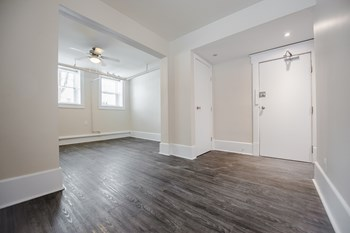 980/984 Wolseley Avenue 2 Beds Apartment for Rent Photo Gallery 1