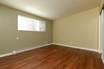 43 Edmonton Street Studio Apartment for Rent Photo Gallery 1