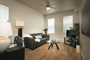634 Broadway Avenue 2 Beds Apartment for Rent Photo Gallery 1