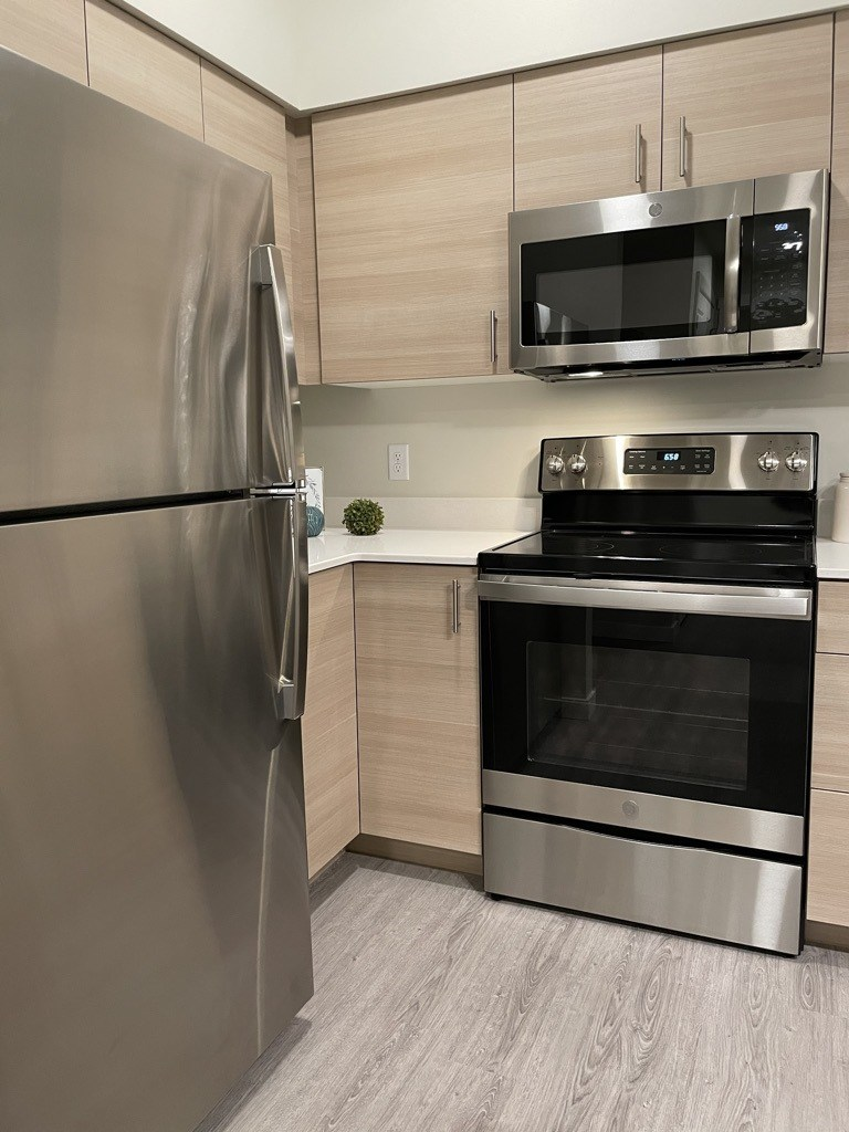 GE Stainless Appliances at Harbor Heights, Olympia, WA, 98501