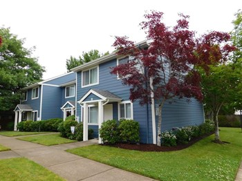 213 NE Conifer Blvd 1-3 Beds Apartment for Rent Photo Gallery 1