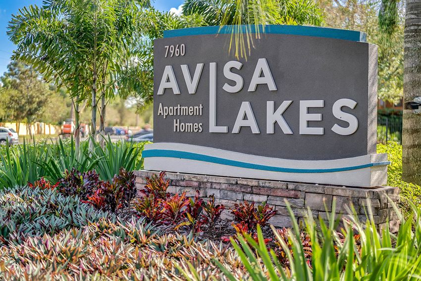 orlando monument sign rebrand from chickasaw crossing apartment renovated