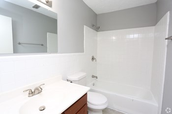 1328 Devonport Drive 2-3 Beds Apartment for Rent Photo Gallery 1