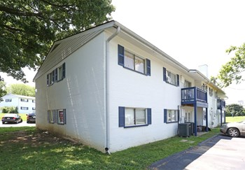 1740 Jennifer Road 1-2 Beds Apartment for Rent Photo Gallery 1