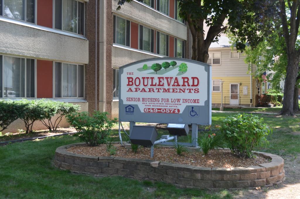 Boulevard Sign