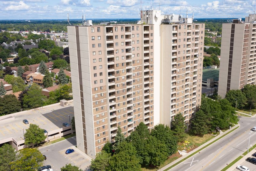 Cedarwoods Tower exterior image of building in Kitchener, ON