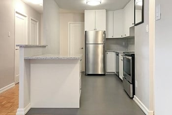 190 Cedar Street 2 Beds Apartment for Rent Photo Gallery 1