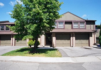 2625A Battleford Road 3-4 Beds Apartment for Rent Photo Gallery 1