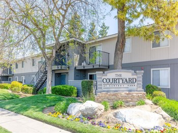 4498 North Cornelia 3 Beds Apartment for Rent Photo Gallery 1