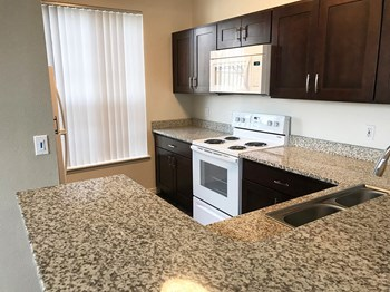 7311 South Union Creek Way 1 Bed Apartment for Rent Photo Gallery 1