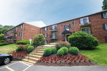 15 Fox Hall 1-2 Beds Apartment for Rent Photo Gallery 1