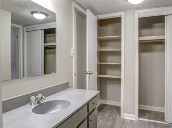 235 Sycamore Drive Athens 1-3 Beds Apartment for Rent Photo Gallery 1