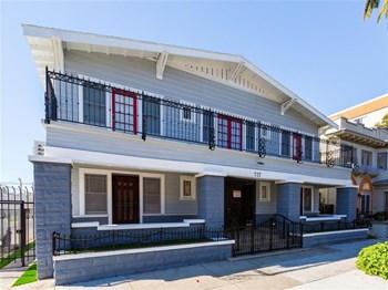 727 Locust Avenue Studio Apartment for Rent Photo Gallery 1