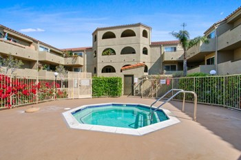 7622 Katella Ave Studio-2 Beds Apartment for Rent Photo Gallery 1