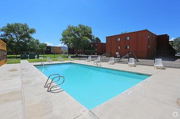 425 Western Skies Drive SE 1-3 Beds Apartment for Rent Photo Gallery 1