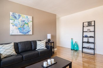 335 Mcarthur Ave. 1-3 Beds Apartment for Rent Photo Gallery 1