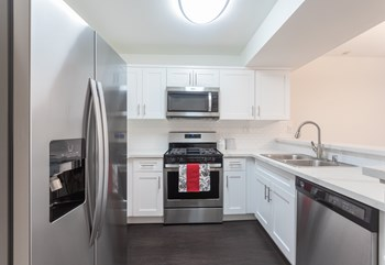 3128 Oak Road Studio-2 Beds Apartment for Rent Photo Gallery 1