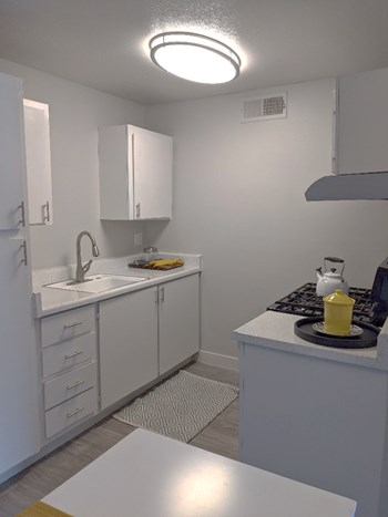 2025 W Indian School Rd Studio-2 Beds Apartment for Rent Photo Gallery 1