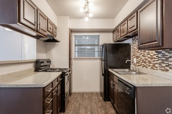2505 Thomason Circle 1-2 Beds Apartment for Rent Photo Gallery 1