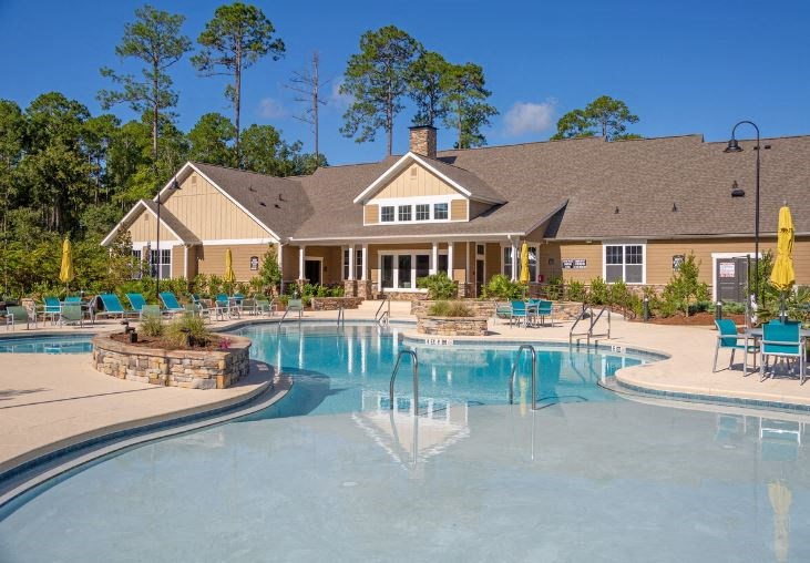 Lullwater at Blair Stone |Relaxing Sundeck