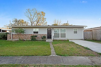 2102 S Butterfly Cir 4 Beds House for Rent Photo Gallery 1