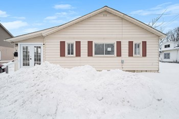 9 S GLASPIE ST 2 Beds House for Rent Photo Gallery 1