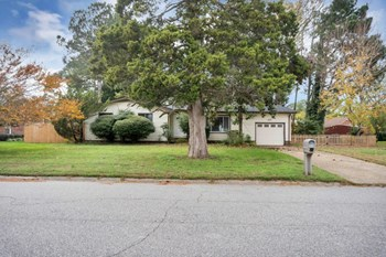 3408 WAKEFIELD DR 4 Beds House for Rent Photo Gallery 1