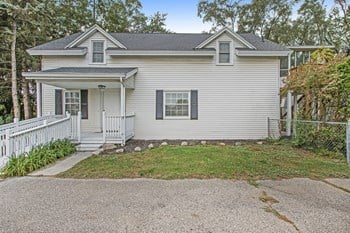 5251 23 Mile Rd 4 Beds House for Rent Photo Gallery 1