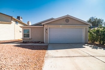 5028 Celebrity Circle 3 Beds House for Rent Photo Gallery 1