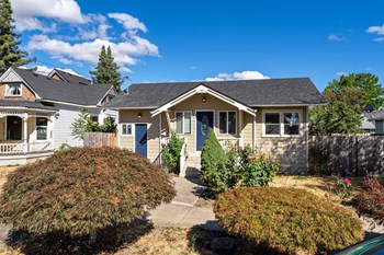 1026 Ne Galloway St 3 Beds House for Rent Photo Gallery 1