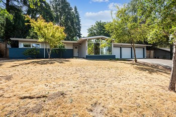 2424 Greentree Road 3 Beds House for Rent Photo Gallery 1