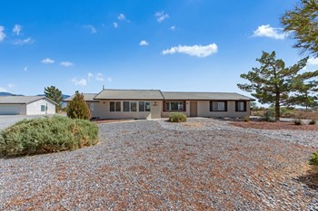 1681 APPALOOSA LN 3 Beds House for Rent Photo Gallery 1