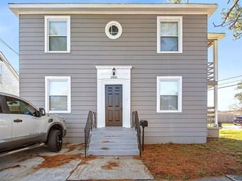2500 Myrtle St 2 Beds Duplex/Triplex for Rent Photo Gallery 1