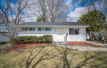 6566 West Ohio Avenue 3 Beds House for Rent Photo Gallery 1