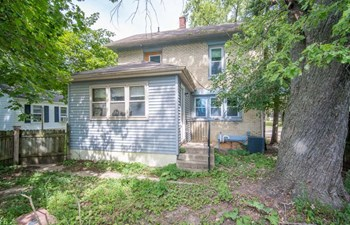705 WASHINGTON ST 3 Beds House for Rent Photo Gallery 1