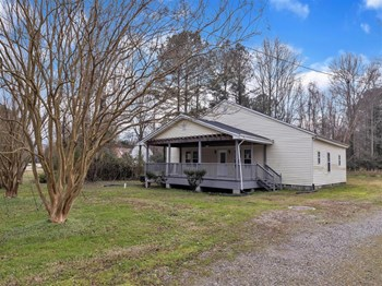 1705 OLD YORK HAMPTON HWY 3 Beds House for Rent Photo Gallery 1
