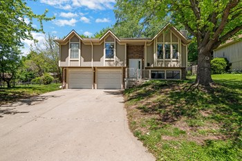 4630 OTTAWA ST 3 Beds House for Rent Photo Gallery 1