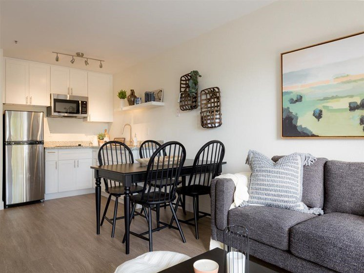 Living Room Come Kitchen View at Cogir of Vallejo Hills, Vallejo