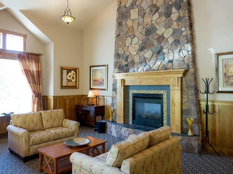 Lounge Area With Fireplace at Cogir of Vancouver, Vancouver, Washington