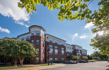9030 Lorton Station Blvd 1-2 Beds Apartment for Rent Photo Gallery 1
