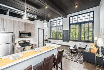 815 Ann Ave. 1-2 Beds Apartment for Rent Photo Gallery 1