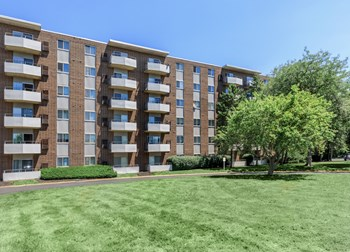 444 Richmond Park East 1-3 Beds Apartment for Rent Photo Gallery 1