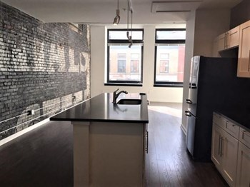 908 Penn Avenue 1-2 Beds Apartment for Rent Photo Gallery 1