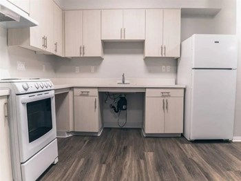 632 E 219Th Street 1 Bed Apartment for Rent Photo Gallery 1