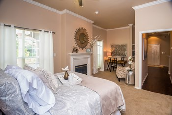 5701 South Mo Pac Expressway 1-2 Beds Apartment for Rent Photo Gallery 1