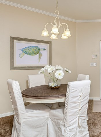 16001 Bayside Pointe 1-3 Beds Apartment for Rent Photo Gallery 1