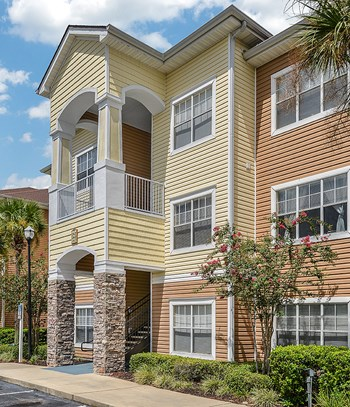741 Saxon Boulevard 1-4 Beds Apartment for Rent Photo Gallery 1