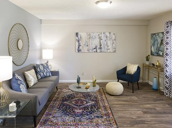 8401 Spain Road NE 1-2 Beds Apartment for Rent Photo Gallery 1