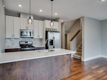 2817 Girard Ave S 3 Beds Apartment for Rent Photo Gallery 1